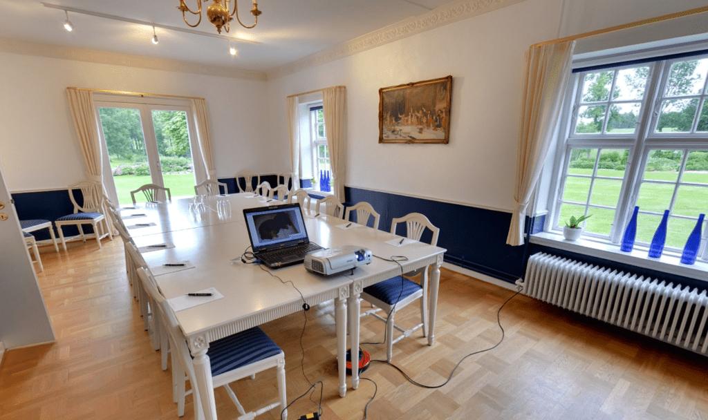 Lille rum/Møderum i festlokalet Kavalerfløjen