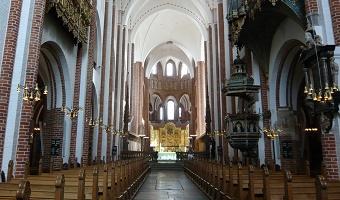 Kom let til Roskilde Domkirke ved dit ophold på godset