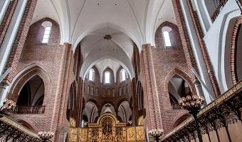 Indenfor i Roskilde Domkirke