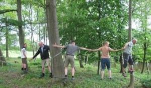 Teambuilding balancegang i kæde