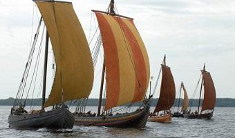 Se vikingeskibe før og nu på Vikingeskibsmuseet