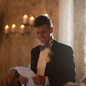 Toastmaster til bryllup holder tale i 1877-Laden