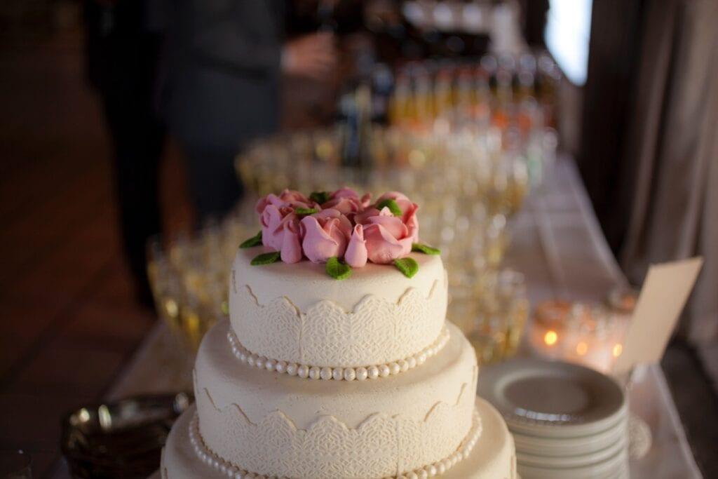 Toppen af bryllupskagen
