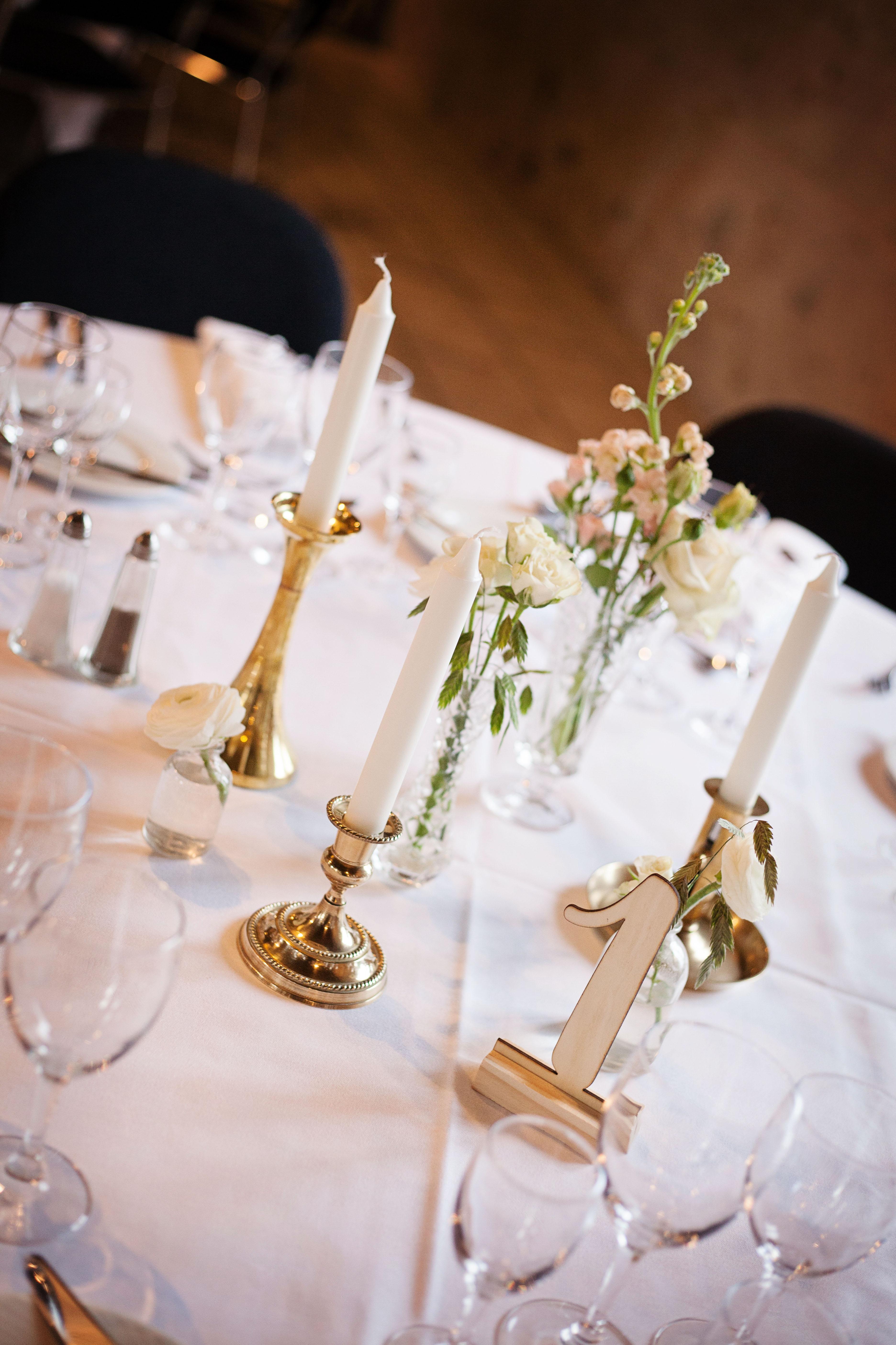 Bryllupsbord med messingstager