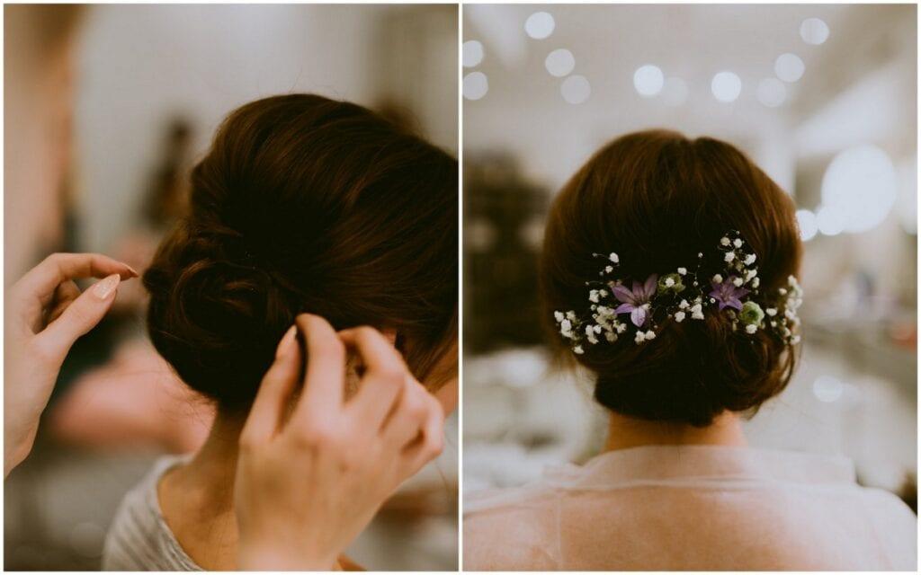 Brud ordner hår inden bryllup