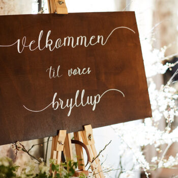 Velkomstskilt i træ til bryllup