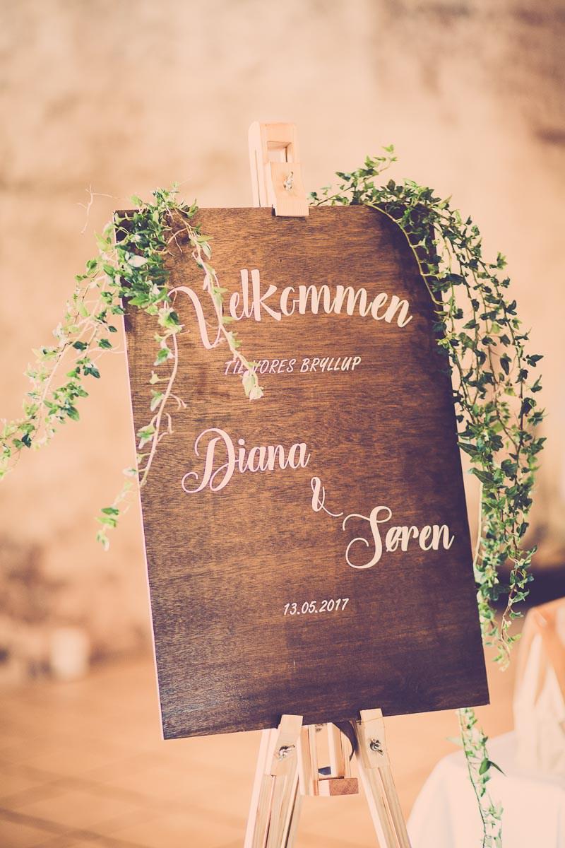 Træskilt til bryllup