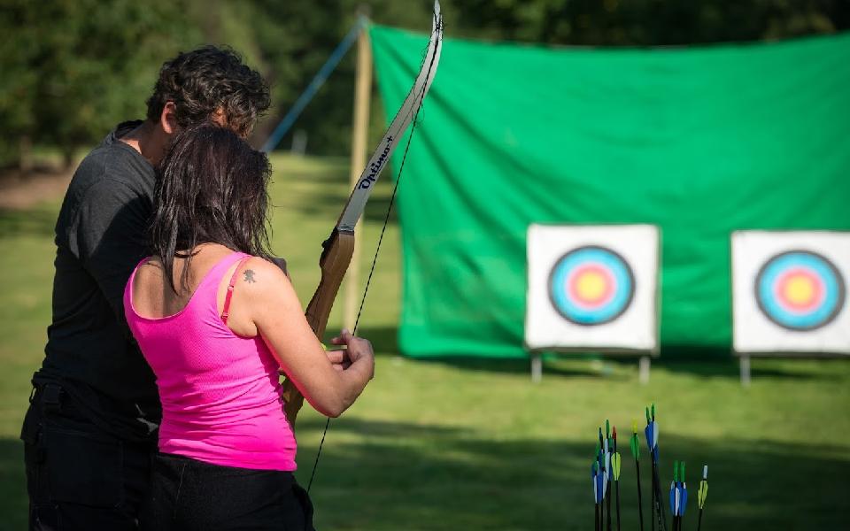 Bueskydning til teambuilding med Highland Games