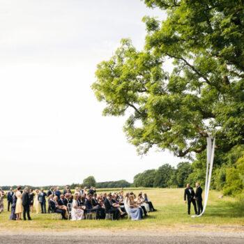 Udendørs bryllup med vielse i parken ved 1877-Laden