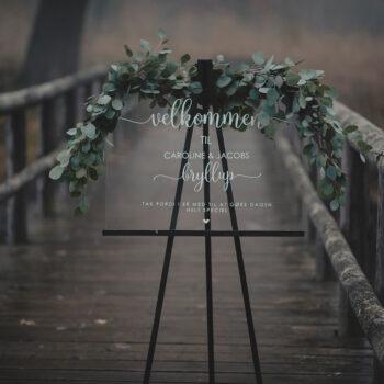 Velkomstskilt i akryl med blomstergrene til bryllup