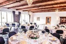 Festfløjens spisesal med nyt loft og væg