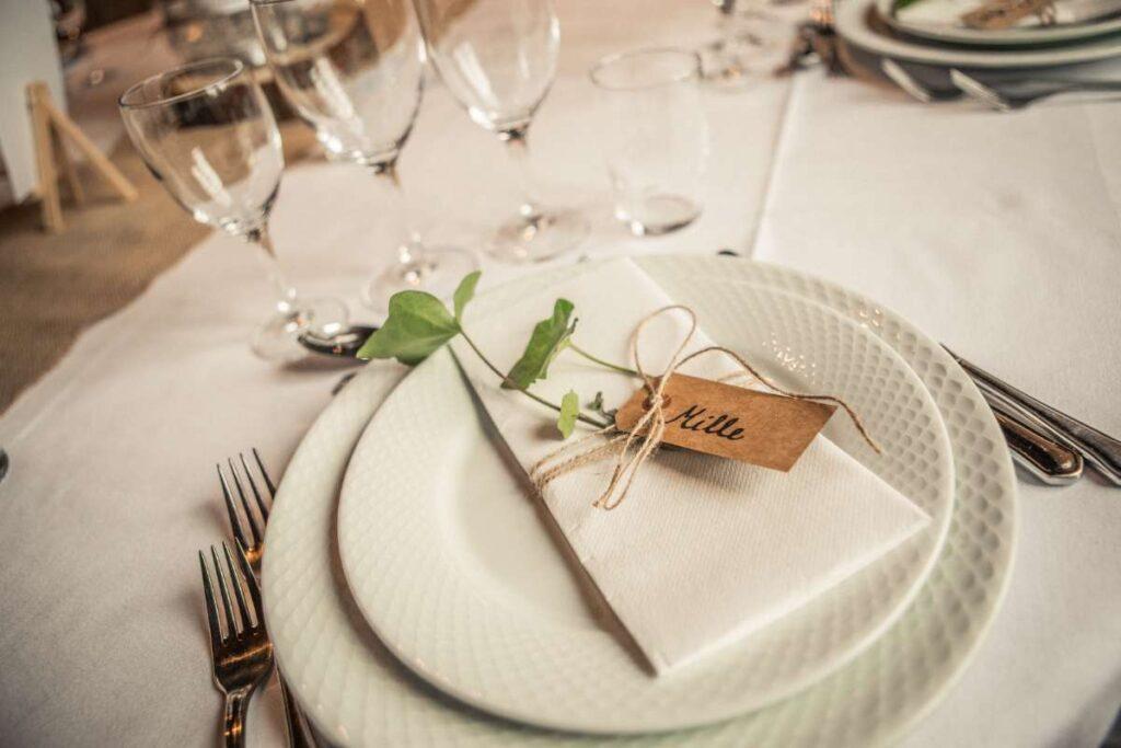 rustikt bordkort bryllup