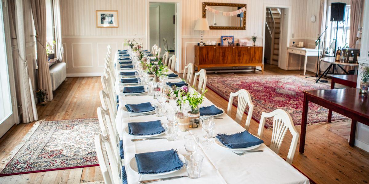 Aflangt bryllupsbord i Kavalerfløjen