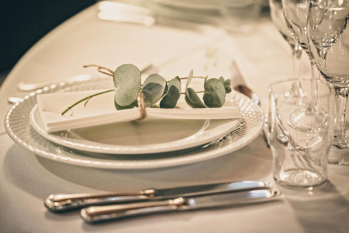 Serviet med eukalyptus til bryllup