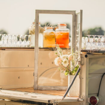 Truck med friske drinks til sommerbryllup