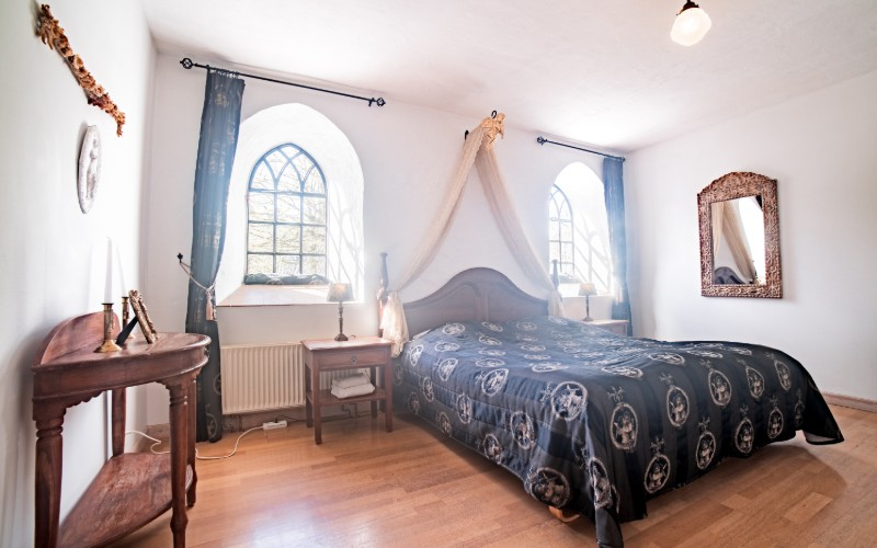 Sengen i brudesuiten, værelse 32