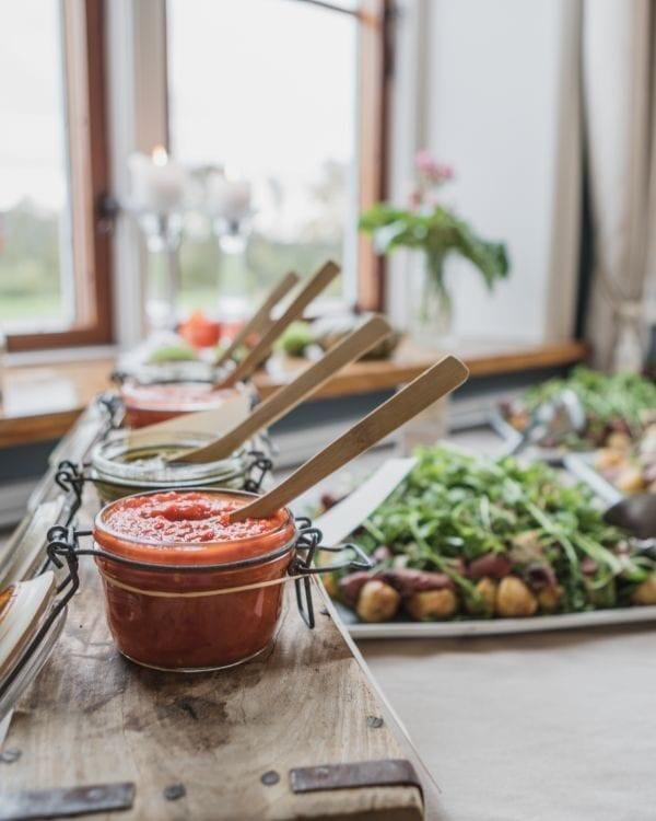 Lækre sauces til frokost under kursus i Hovedbygningen