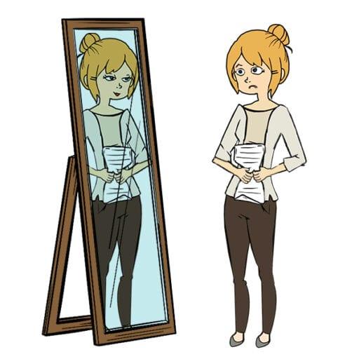Tine øver sit foredrag foran spejlet