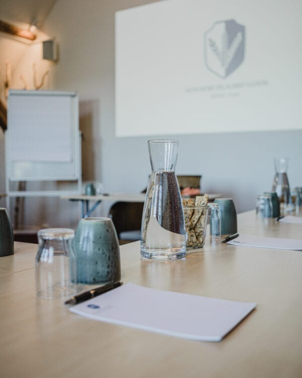 Opstilling til møde og kursus på Dueslaget