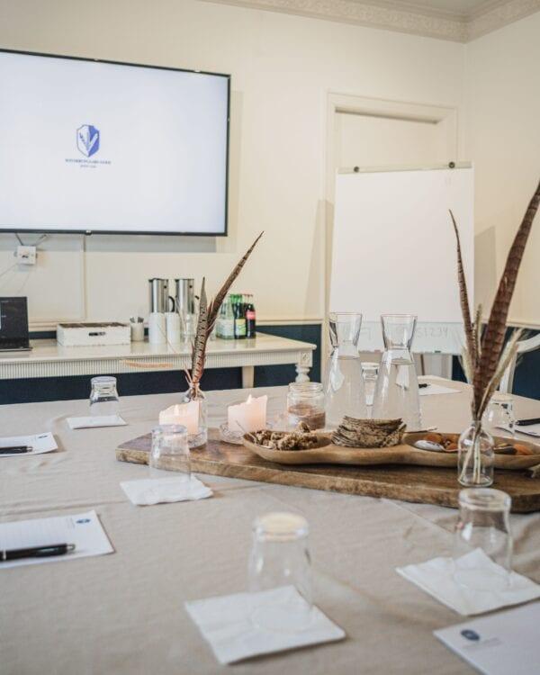 Opstilling til kursus, møde og konference i Kavalerfløjen