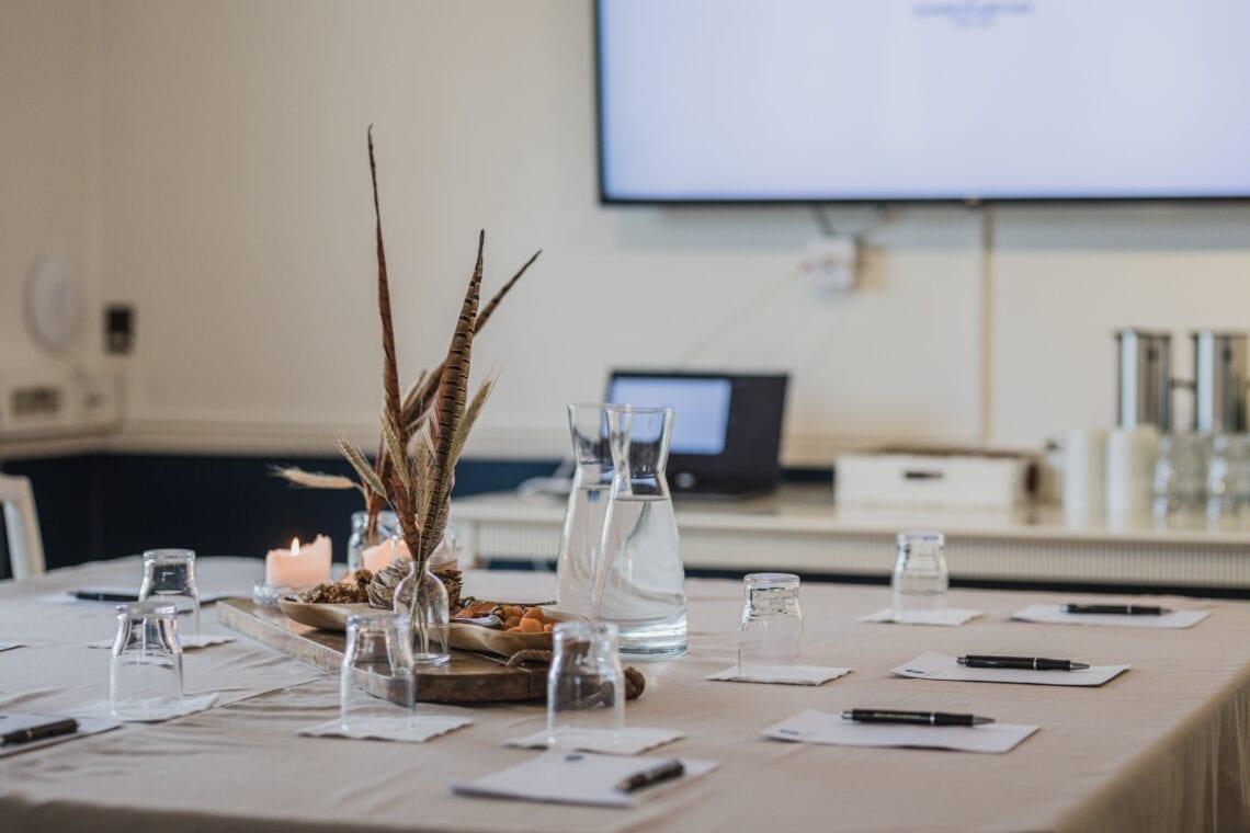 Detaljebillede fra kursus, møde og konference i Kavalerfløjen