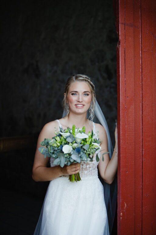 Denises brudelook med hår og makeup af ByKragskov